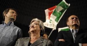 Franceschini, Bindi e Bersani al Palalottomatica (foto Ansa)